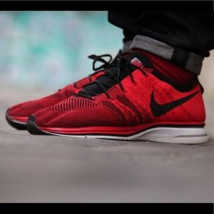 NEW Nike Flyknit Trainer Running Shoes Red 8.5